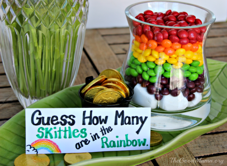Throw the Ultimate Saint Patrick's day Party- recipe and decor ideas!