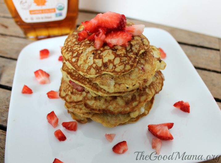 3 Ingredient Strawberry Pancakes Recipe
